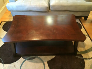 coffee table 2 end tables 3 decorative pieces all matching