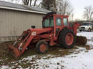 CASE 995 TRACTOR W/LOADER & SNOWBLOWER