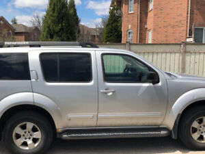 2006 Nissan Pathfinder 7 Seater and GIO EBIKE