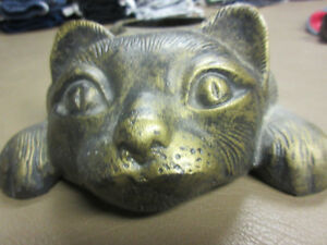 CAST IRON CAT IMAGE FOOD & WATER DISH