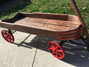 Old fashioned Wooden Wagon - Perfect for a wedding photo