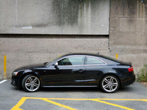2009 Audi S5 V8 - Black with Red Leather, Technik, Carbon Inlays