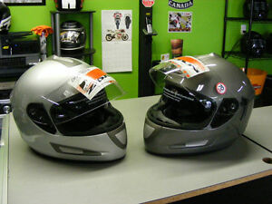 Full face helmets with sunvisors - Liquidation Deal at RE-GEAR Kingston Kingston Area image 1