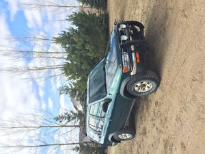 3500 or OBO 1996 Nissan Other Black SUV, Crossover
