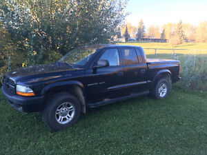 2002 Dodge Dakota Sport 4X4 Pickup Truck