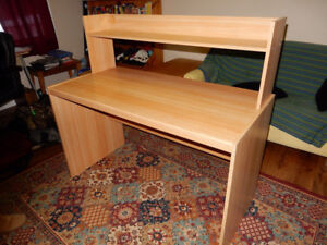 Desk with removable shelf