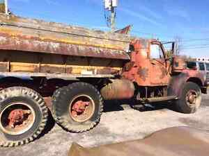 1958 Mack B series 60  truck parting out West Island Greater Montréal image 2