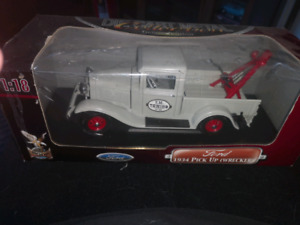 Ford 1934 pick up wrecker 1:18 size new