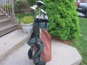 Men's Right Hand 12-pc Golf Clubs Set (Dunlop Reaction) & Bag