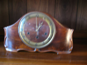 WESTMINISTER CHIME MANTLE CLOCK SEVEN DAY.......