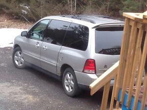 2004 Ford Freestar Sport Minivan, Van