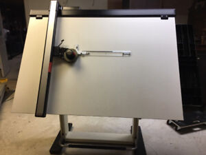 Immaculate Condition Neolt Leonar Professional Drafting Table