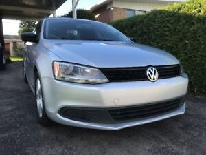 Jetta 2012, VW,  manuel 5 vitesses, en excelente condition