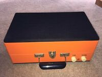 Retro record player turntable by Steepletone as new with speaker. Portable HIFI Stereo Vinyl