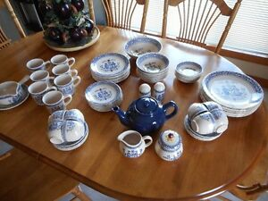 """REDUCED!!! Dishes - """"Hearts & Flowers"""" by Johnson Bros."""