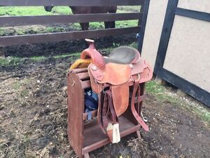 "16"" Edmonton saddlery saddle"