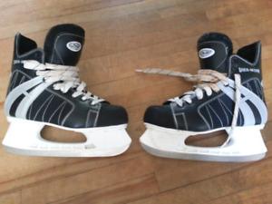 Senior Hockey Skates - Size 9.5