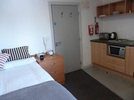Self contained student appartments/ large rooms