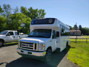 2010 FORD E450 19 SEATS BUS FOR SALE