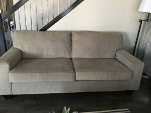 Buy Or Sell A Couch Or Futon In Red Deer Furniture