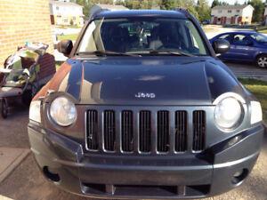 a vendre Jeep Compass 2008 sport VUS automatique 3000ferme