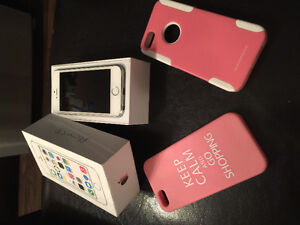 iPhone 5s UNLOCKED 16gb perfect condition