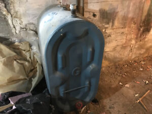 Free!!! Small oil tank (50 L)with approximately 1/2 full oil