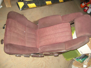 toyota 1985 celica supreme burgundy bucket seats nice shape Kingston Kingston Area image 3