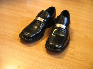 KENNETH COLE - DRESS SHOES - WORN ONCE
