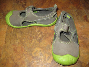 Toddler size 10 footwear lot Belleville Belleville Area image 5