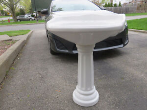 Pedestal Bathroom Sink