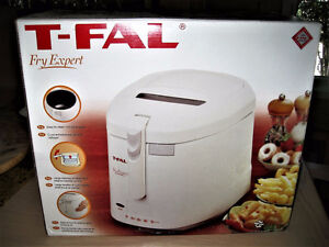 T-FAL FRY EXPERT  DEEP FRYER, FRITEUSE, NEW, IN BOX, NEUF