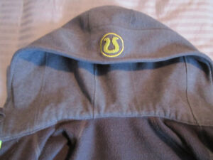LULULEMON SCUBA HOODIE SIZE 6 GRAY/LIME IN EXCELLENT CONDITION