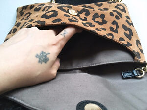 "J CREW Leopard SUEDE ""Invitation"" Envelope CLUTCH/CROSSBODY London Ontario image 9"