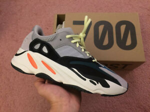 Yeezy 700 Wave Runner, size 9.5