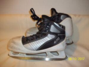 Junior Goalie Skates Size 3½ (KOHO 490)