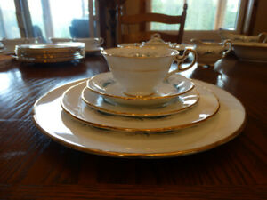 Foley Pine Spray Bone China Made in England Dishes Set for 8