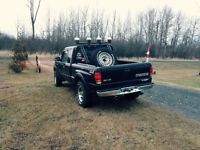 PICKUP TRUCK ROLL BAR AND LIGHTS