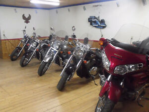 CRUISERS FOR SALE / HONDA, KAWASAKI, HARLEY-DAVIDSON