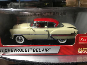 Chevrolet bel air 1953 die cast 1/18 die cast and