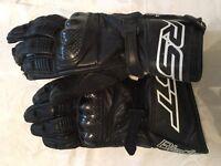 RST carbon fibre gloves