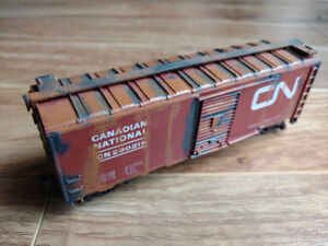 HO Scale Model Train Box Cars Tankers
