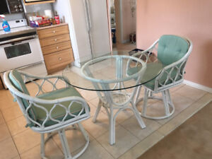 TABLE WITH 2 CHAIRS - WICKER