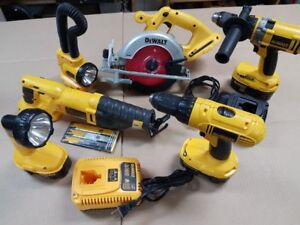DeWalt 18v cordless power-tool combo w/carrying cases