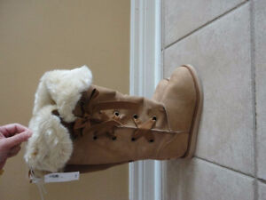 Old Navy women's tan faux suede winter boots Size 6 New with tag London Ontario image 5