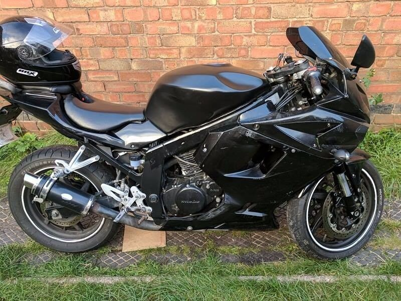 Hyosung gt 125R without MOT ,for parts aswell