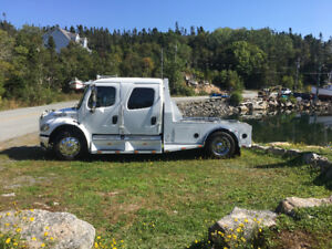 FREIGHTLINER M2 SPORTCHASSIS in excellent condition