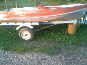 Lund 12 ft fishing boat 8hp evinrude