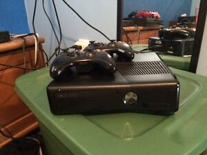 Xbox 360 comes with games and 2 controllers Peterborough Peterborough Area image 1