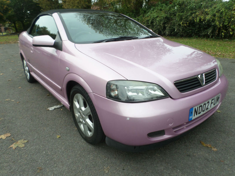 02 02 Vauxhall Astra Coupe Cabriolet 18i In Bright Pink Long Tt